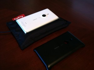 nokia lumia 925 review (1) fatboy wireless charging sled somegadgetguy