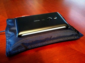 nokia lumia 925 review (4) rear back plate sled somegadgetguy